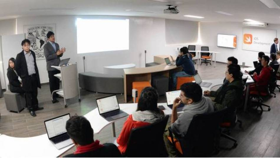 La UNAM estrena laboratorio donado por Apple